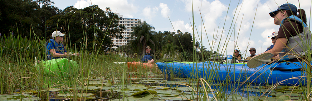 County agent leads canoe trip in Winter Park; photo by Tyler Jones, UF/IFAS